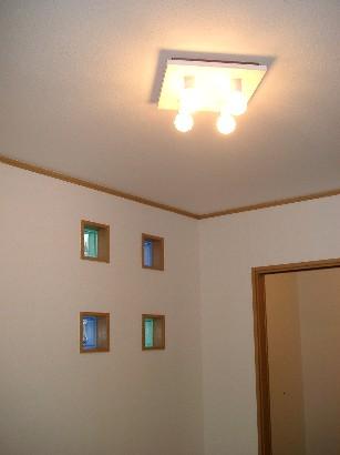 漆喰とガラスブロックの家 「東雲M邸」